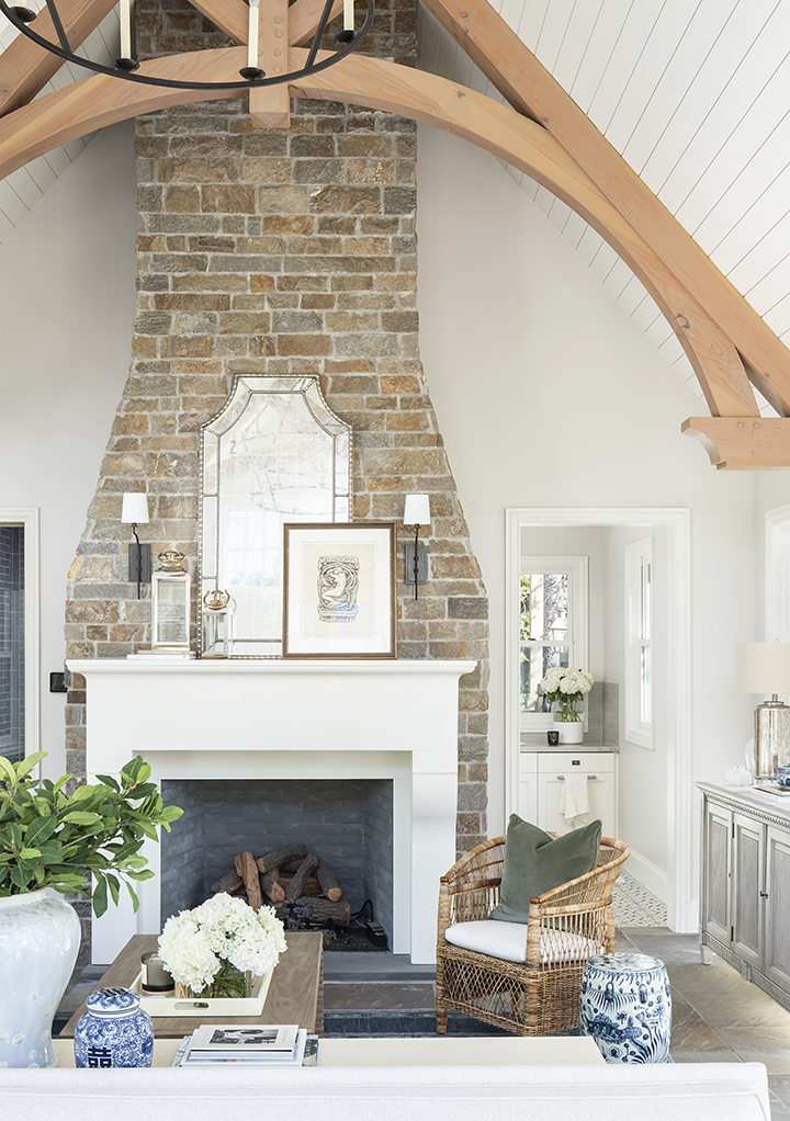 Cottage, Stone fireplace, Great room