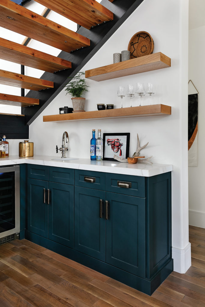 Flairhunter, Hollis Jordyn Interiors, Stairs, Open shelves, Marble countertops, Cabinets